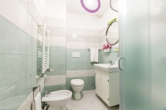 Navona-bath1b