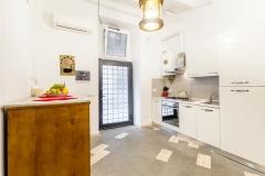 Navona-kitchenb