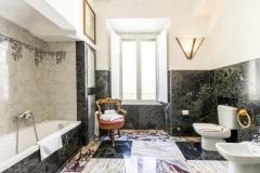 santangelo-bath3