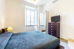 Vatican-bedroom2-a